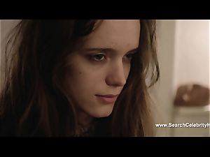 sensuous Stacy Martin blows schlong and is ate