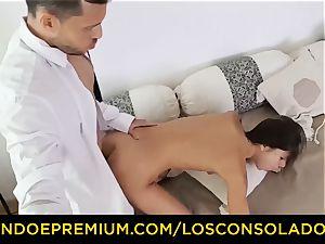 LOS CONSOLADORES - Russian Gina Gerson poked in FFM
