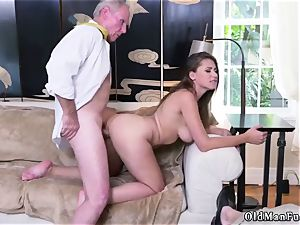 Give it to me father first time Ivy amazes with her thick funbags and bootie