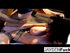 Jayden gets active on a lucky solo manmeat