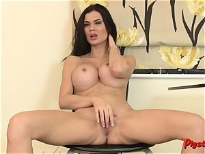 Jasmine Jae Gets bare and drains to a