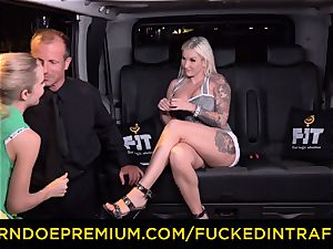penetrated IN TRAFFIC - sultry blondes car triangle fucking