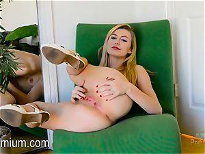 Alexa mercy frigs pink vulva