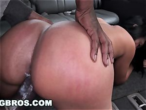 The BangBus in Colombia pummeling A thick booty Latina cougar