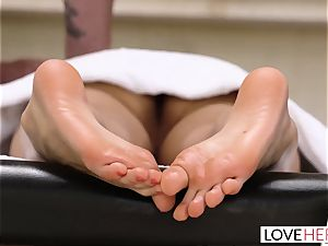 LoveHerFeet - Riley Reid Seduced By Creepy Stranger