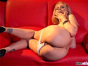 ultra-kinky mother Julia Ann frolicking with her tastey milfy vulva