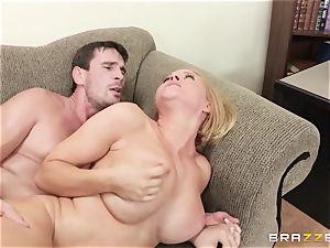Krissy Lynn banged by her naughty shrink