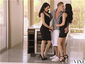 VIXEN steaming Latina Shares Her beau With roommate