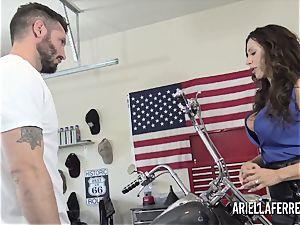 Ariella Ferrera pays the bills with her steaming fuck crevasse