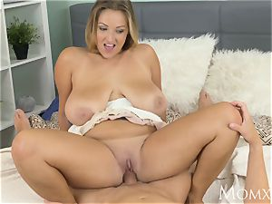 mother breast wank heaven with plump mummy with inborn milk cans