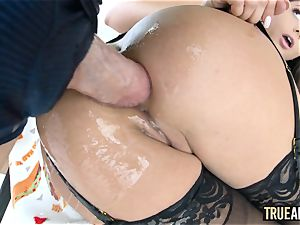 TRUE ass-fuck Ariana Marie has her saucy bum tucked