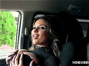 bodacious Anissa Kate gets picked up and does ass-fuck hump in a car
