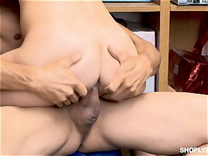 Gina Valentina and her stepsis boinked by mallcop