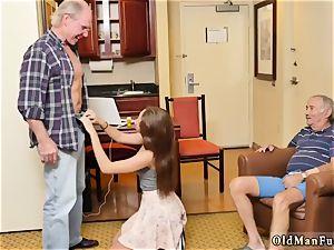 yam-sized tit nurse hand-job presenting Dukke