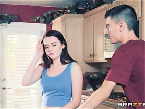 horny tiny Karli Brookes blows the monster manstick of Jordi