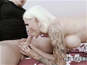 HITZEFREI German housewife Sophie Logan pulverized rock-hard