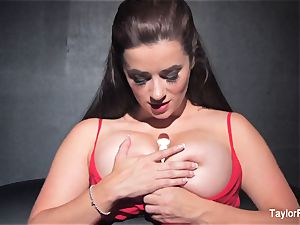 Naturally big-titted Taylor toys her wet vulva