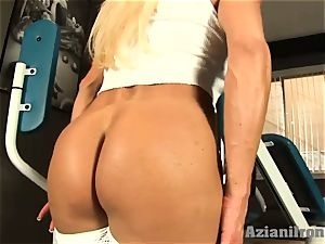 wonderful fitness blonde works out and demonstrates her goods