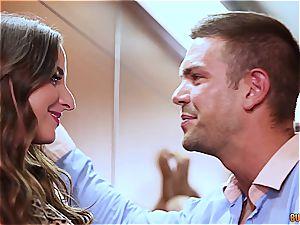 Amirah Adara romps a stranger stuck in the elevator