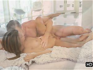 stunning honey Veronica Rodriguez slalmed in her cunny