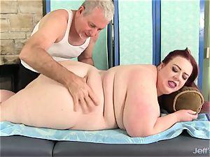yam-sized jugged plus-size Miss Ladycakes gets a sex rubdown