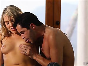 Mia Malkova takes a creaming over her appetizing milk cans