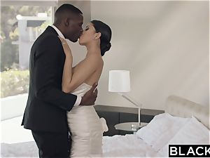 BLACKED spectacular Model Sophia Leone Gets very first big black cock
