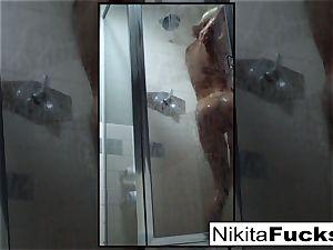Nikita's jaw-dropping home video