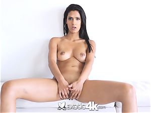 EXOTIC4K Indian damsel opens up wet vag for ample cock